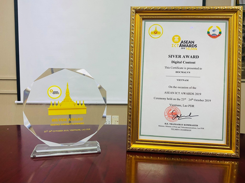 Hocmai.vn giành giải Bạc chung khảo ASEAN ICT Awards